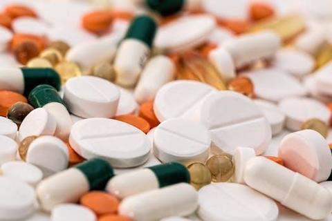 headache-pain-pills-medication-159211.jpg
